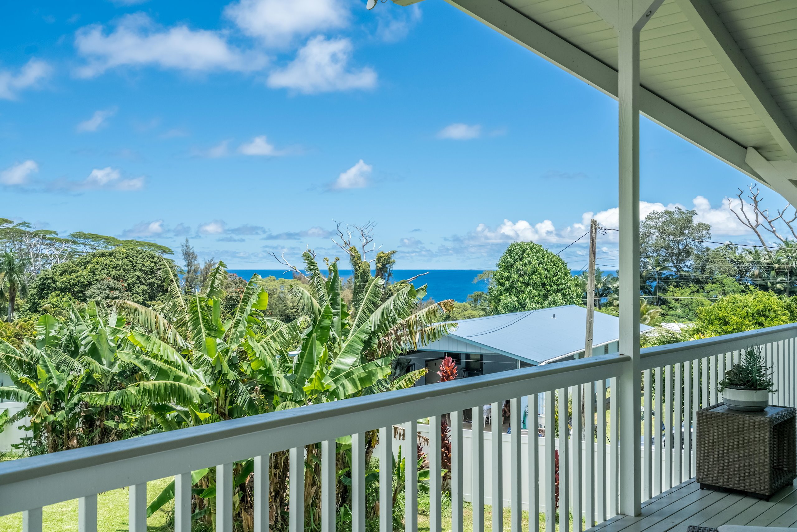 Oceanview from every inch of the kitchen and upstairs entertainment room!