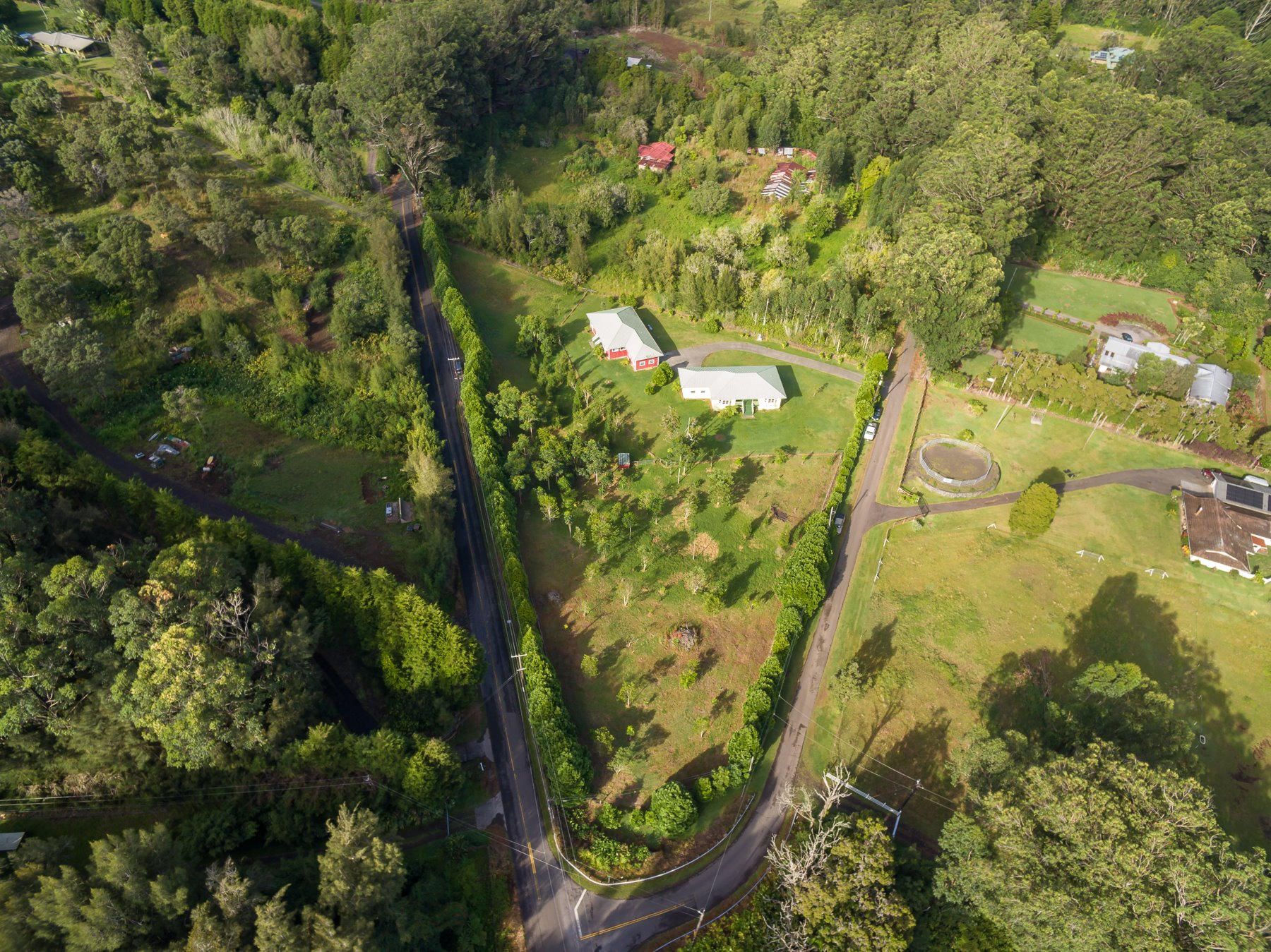 The 2 separate homes are located on nearly 3 ac. of land on the Big Island and only 15 minutes to historic Waimea or Honokaa.