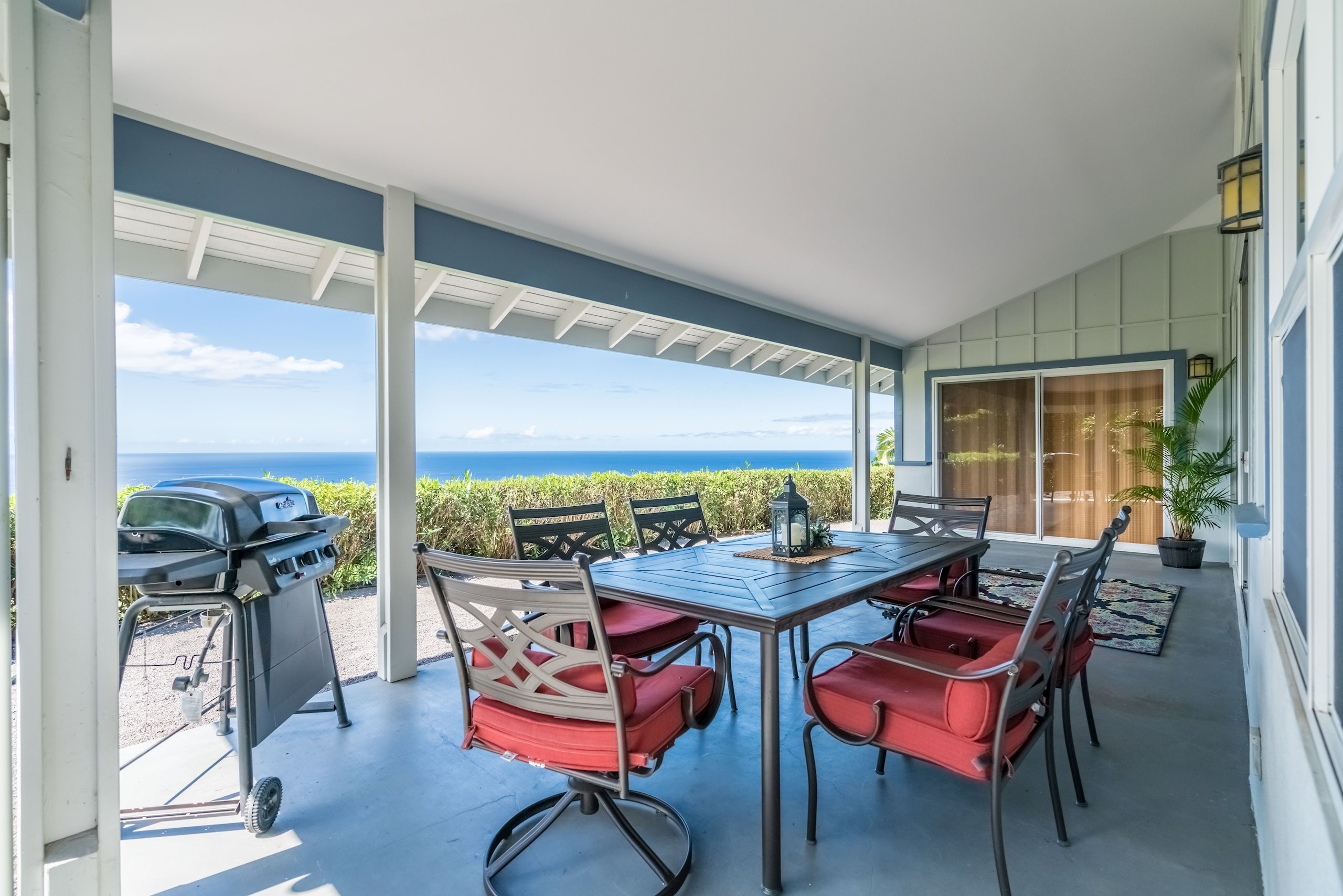 Spectacular Views from you Back Lanai