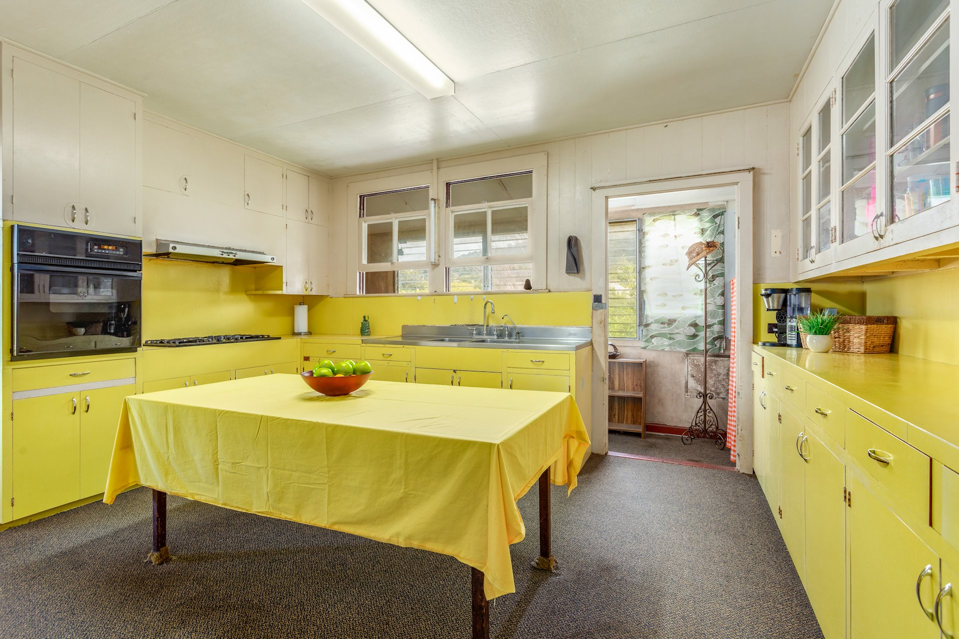Retro kitchen has a lot of charm