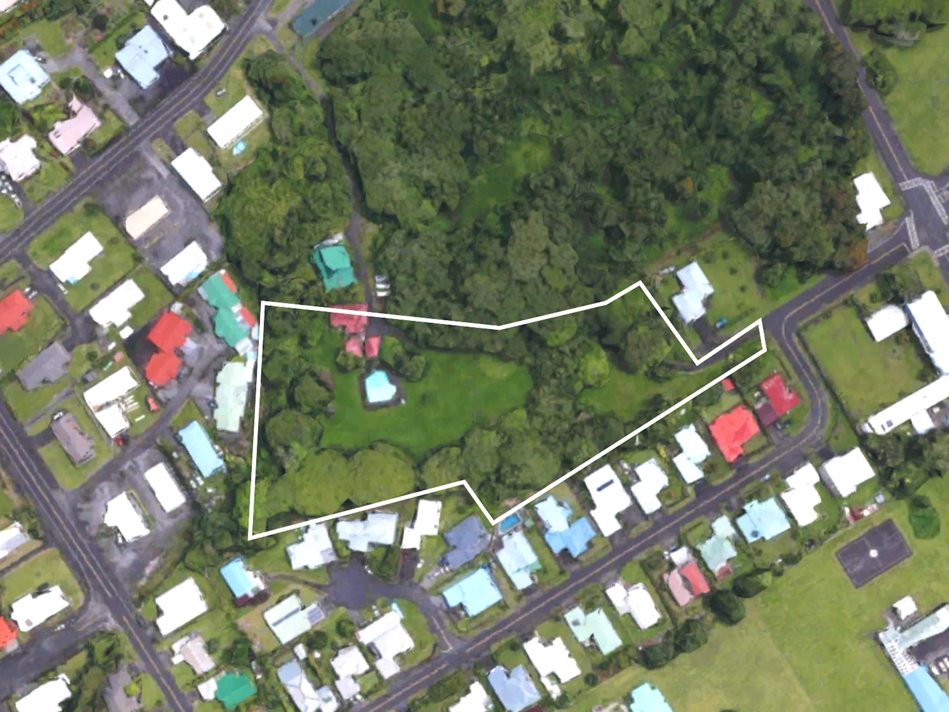 MULTI-FAMILY DEVELOPMENT OPPORTUNITY DOWNTOWN HILO<br>Hualalai Court - 3.29 Acres<br>Proposed 105 unit Affordable/Workforce Housing Development Site<br>4 Blocks from City/County Offices <br>3 Blocks from University of Hawaii Hilo Campus<br>Zoning District RM-1.5 (96 market rate or 105 affordable units)<br>Proposed Project lies within Opportunity Zone<br>Numerous Potential County, State and Federal Tax and Zoning Advantages<br>Building Approval in Process<br>Old home on property currently occupied by tenants