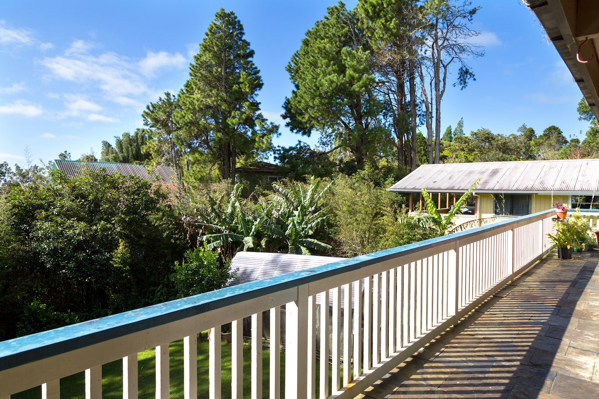 Upper lanai spans the entire width of the home