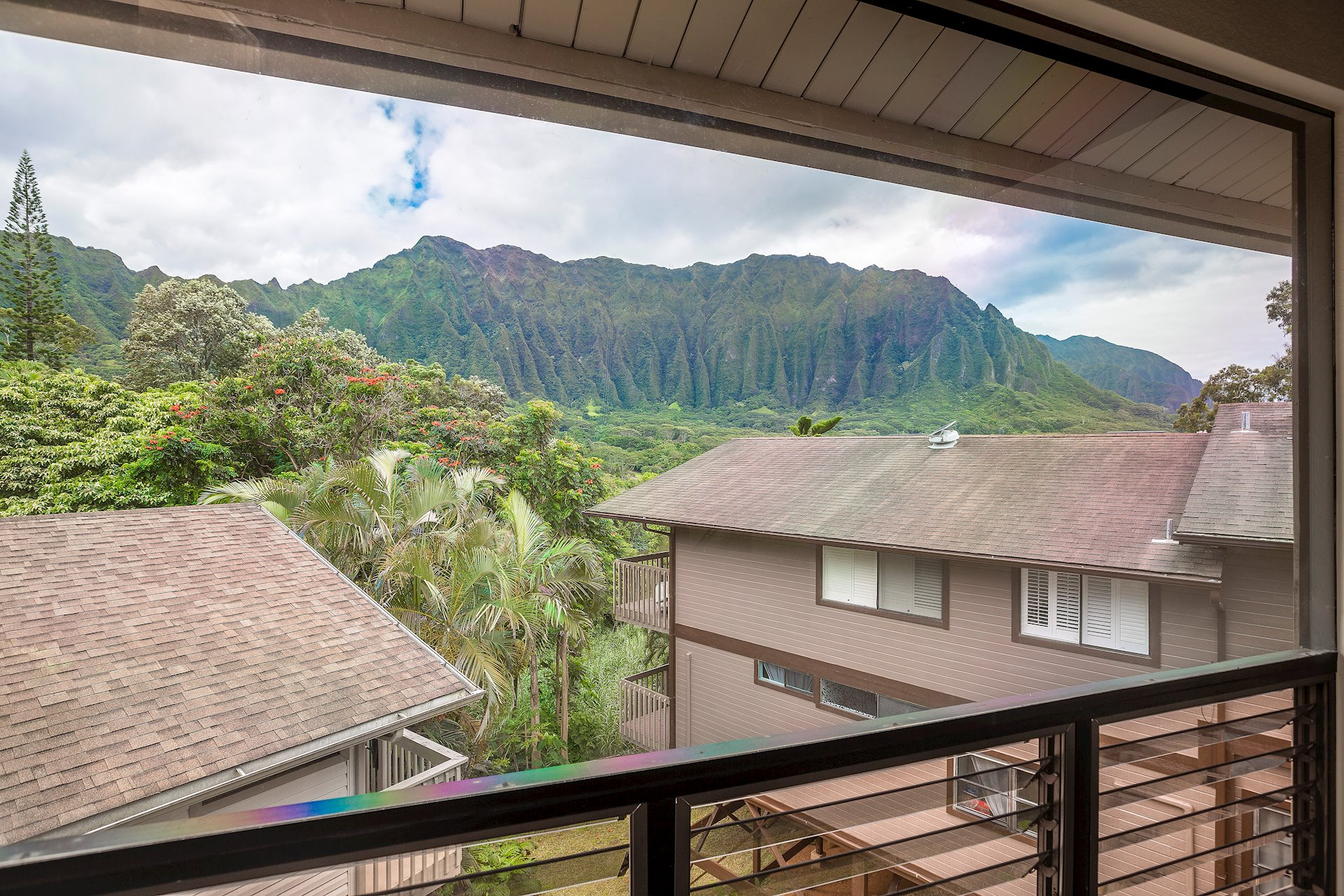 The view of the mesmerizing Koolau Mountain Range...