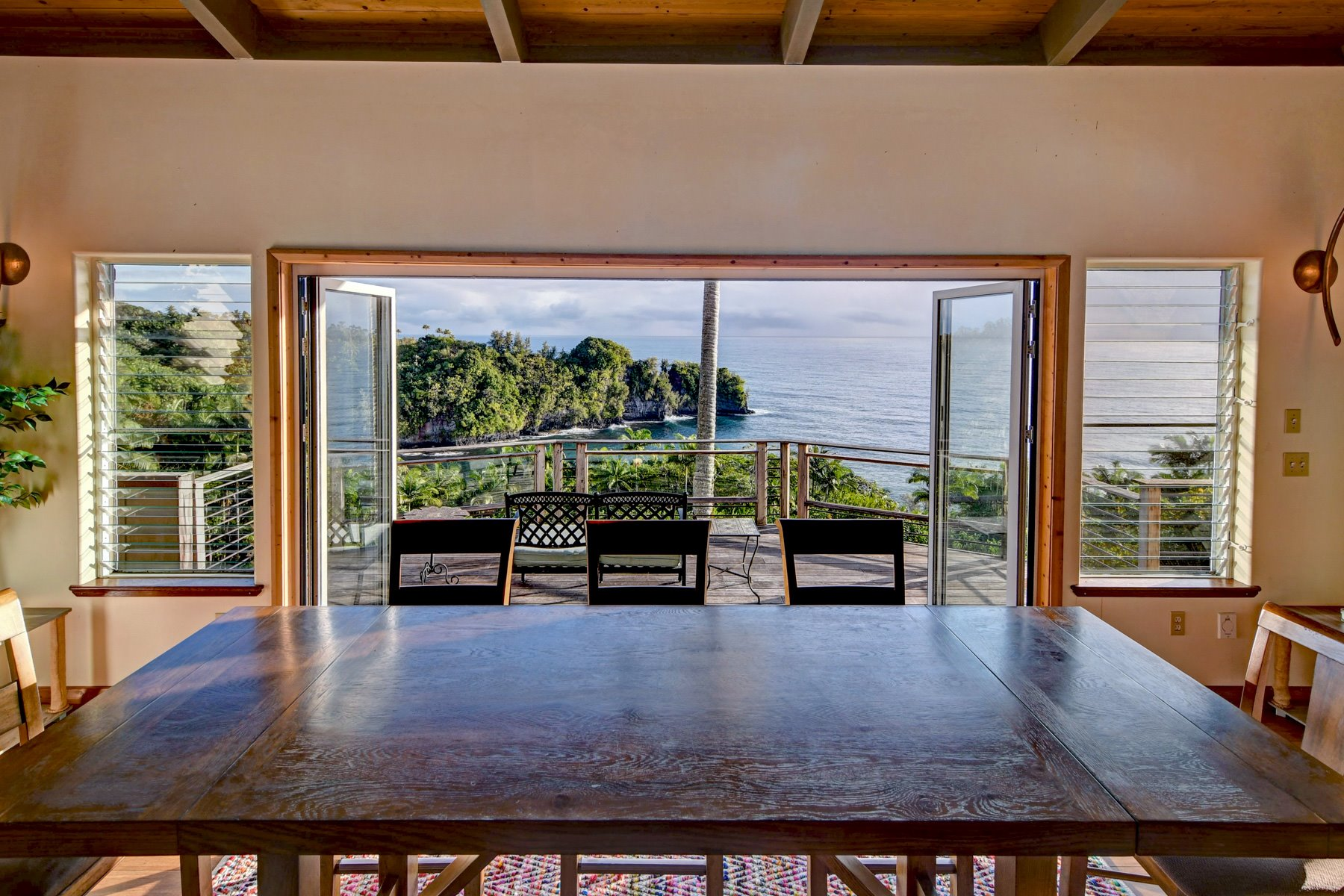 Incredible dining table views.