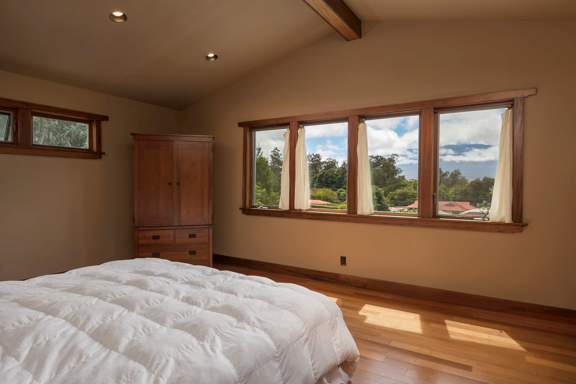 Master bedroom with views to Mauna Kea.