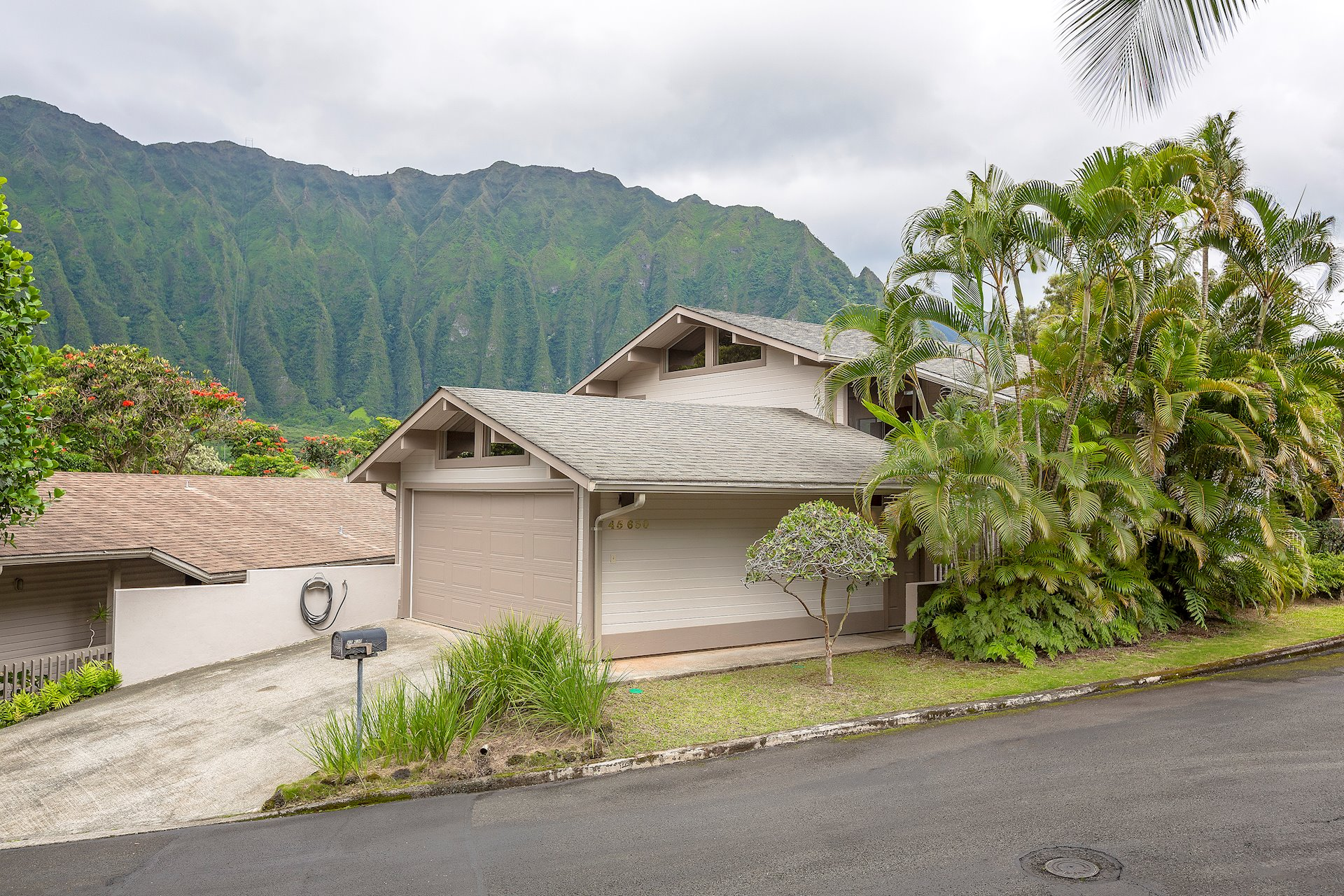 The majestic Koolau Mountain range is your permanent view from your living and kitchen windows!