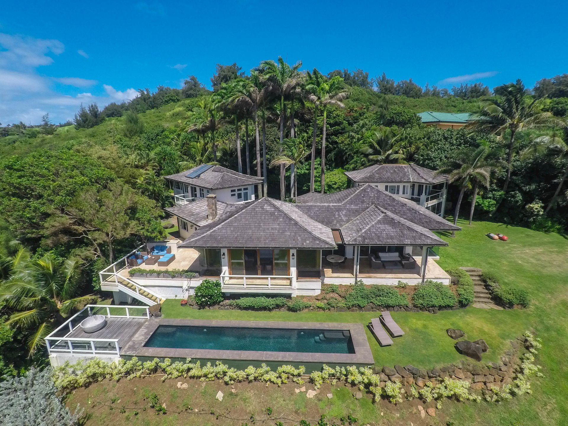 The former home of prominent architect Elliott Rosenblum, Kahili Beach Estate has welcomed numerous celebrity families as a cherished...