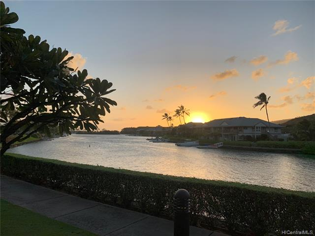 "Rarely available ""The Villas"" Marina front condo at the Peninsula at Hawaii Kai. 2bed/2.5 bath with 1 car garage & 1