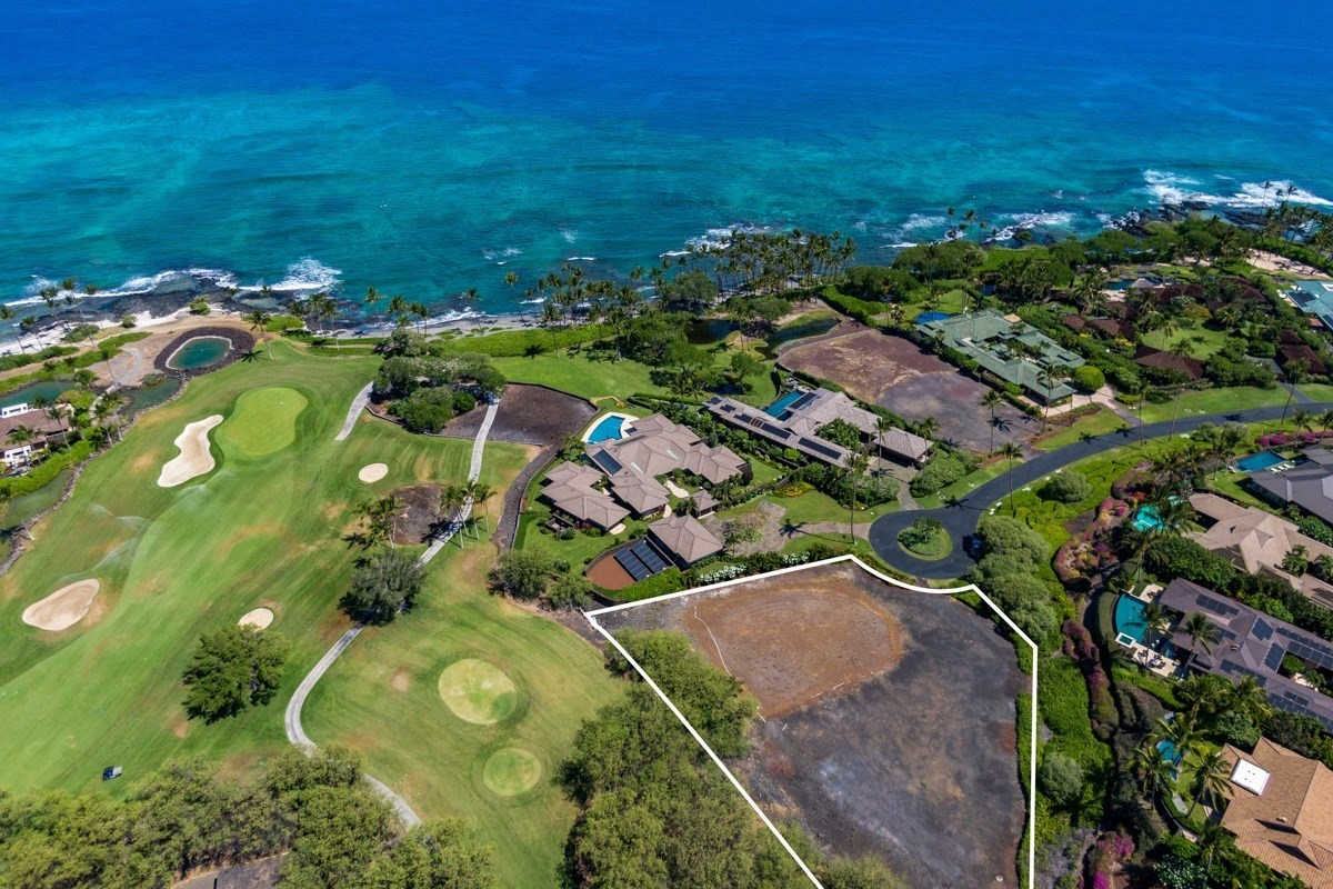 Pauoa Beach Lot #10 is the only home site available in this prime oceanfront resort community. Located at the end of a private cul de...