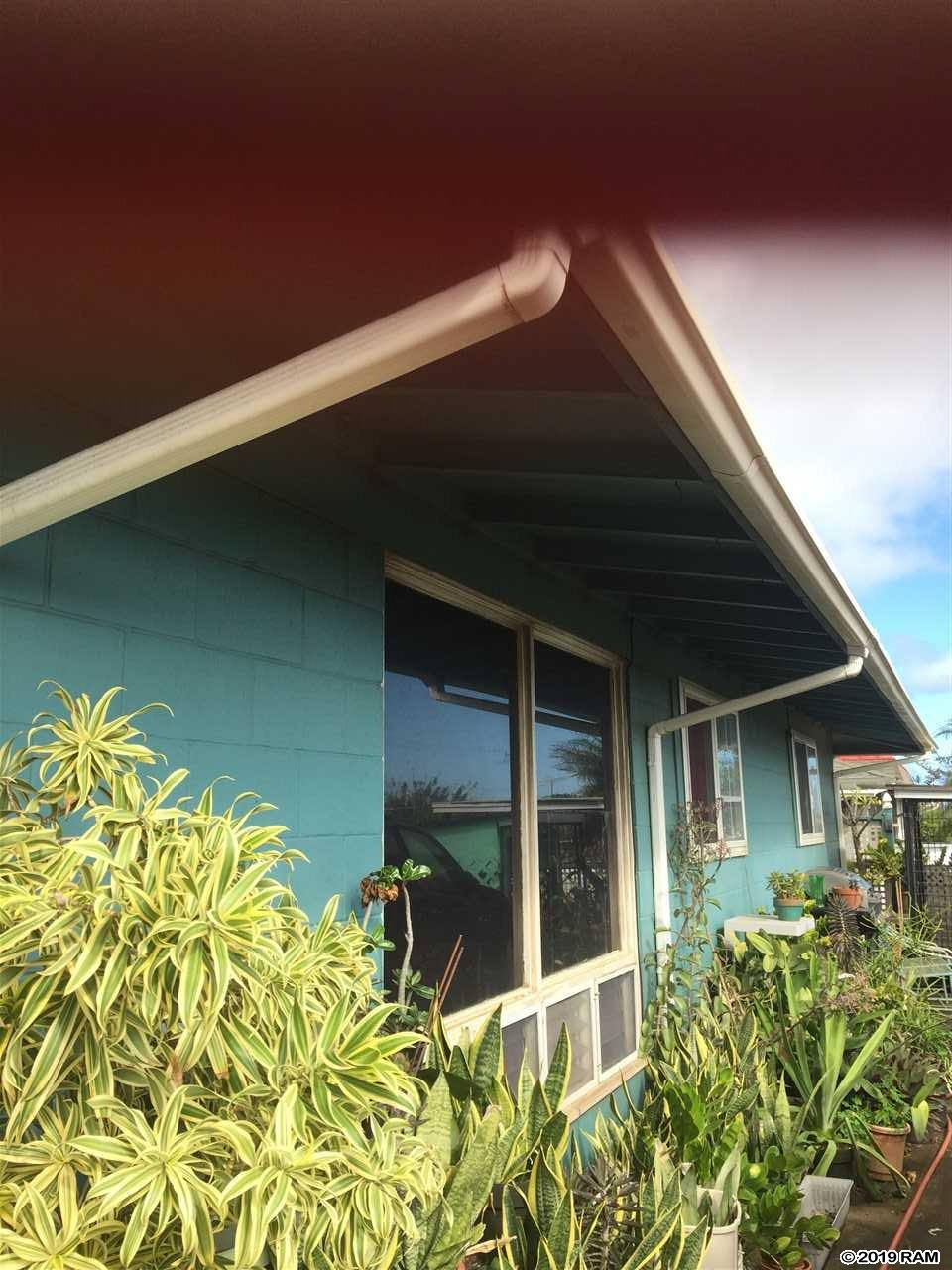 Looking for a centrally located single family home with no association? Come see this single level 4 bedroom, 2 bathroom home with a 1 bedroom, bath ohana. Call your favorite realtor for a showing